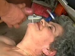 Old curly plumper gets cumload in mouth on floor