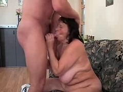 Granny gets licking cunt and sucks