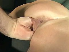 Fetish mom in leather boots loves to be fistfucked