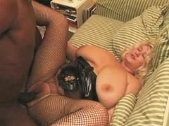 Mature w big tits gets black cock
