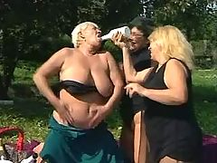 Chubby old lesbians have fun on picnic