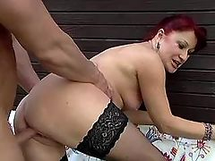 Granny fucked in doggy style outdoor